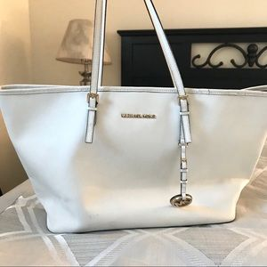 Handbags - 🚫 sold Michael Kors Tote Bag!
